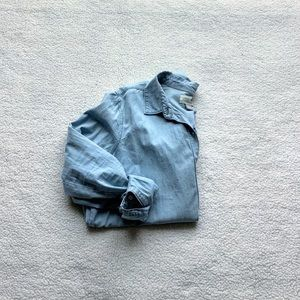 EUC Old Navy chambray shirt